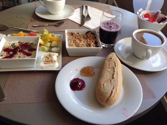 Mercure Marseille Centre Vieux Port : Excellent petit déjeuner