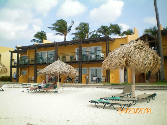 Tamarijn Aruba All Inclusive : rooms from beach