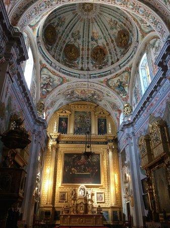 Ceiling of the church at the Hospital de los Venerables.