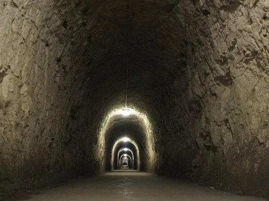 Royal Armouries - Fort Nelson: Tunnel between the magazine and north caponiere