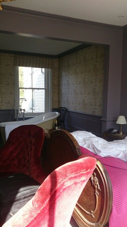 The Tunbridge Wells Hotel: Honeymoon suite