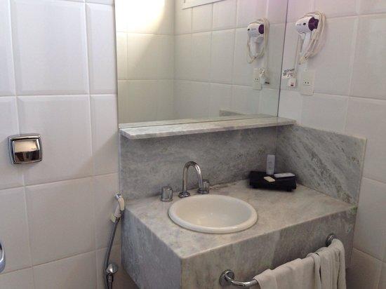 Hotel Florenca: Banheiro
