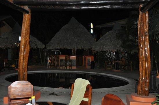 Samara Tree House Inn: View at night