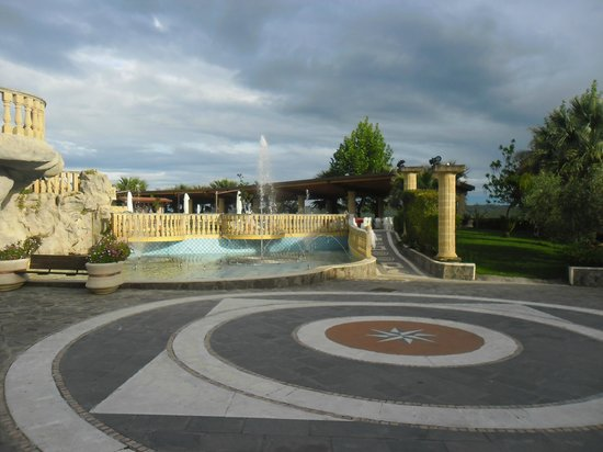 Bernalda, Italy: giardino