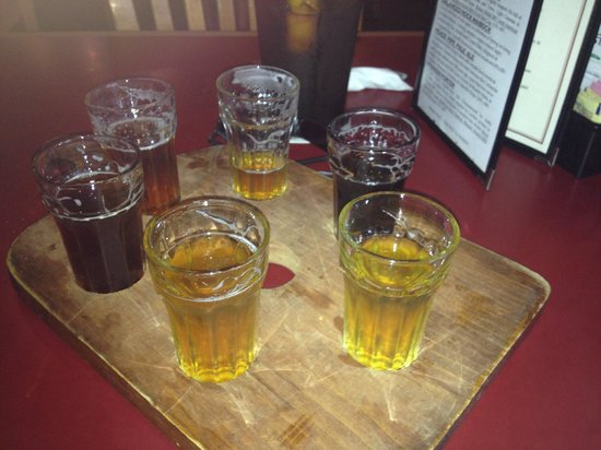 Fredericksburg Brewing Co. : Six Beer Sampler is the best option when deciding which beer to drink..