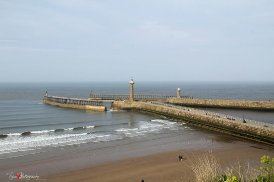 Whitby Beach: Whitby lighthouse
