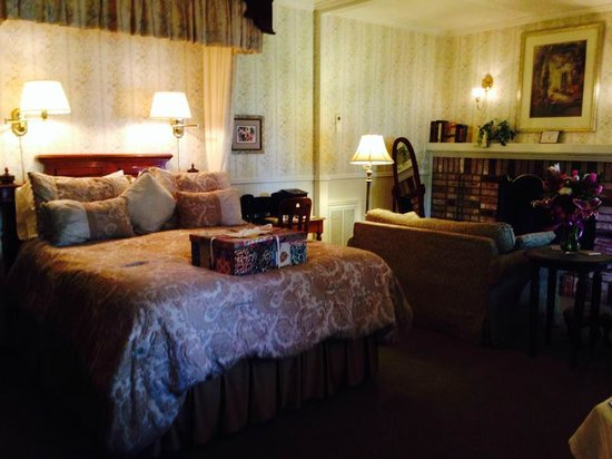 The Foxes Inn: Honeymoon Suite