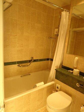 Ibis London Earls Court : Baño