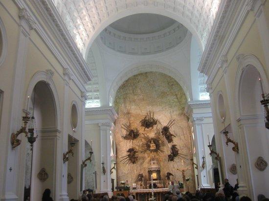 Un santuario religioso da non perdere picture of for Santuario madonna della corona