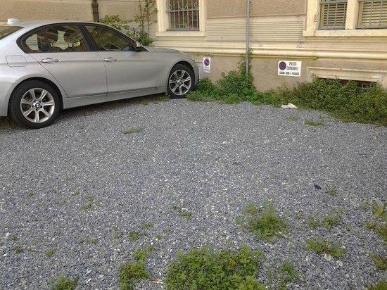 Boncardo Hotel: Il comodo parcheggio a pochi metri dalla struttura