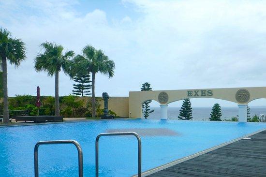 Okinawa Spa Resort EXES : Common Pool