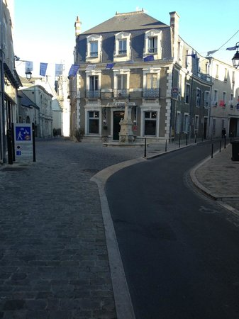 Best Western Hotel D'Angleterre : Here it is! Don't drive by it because getting back is tricky.