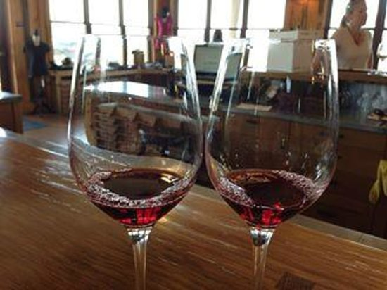 Helwig Vineyards & Winery: Wine for two