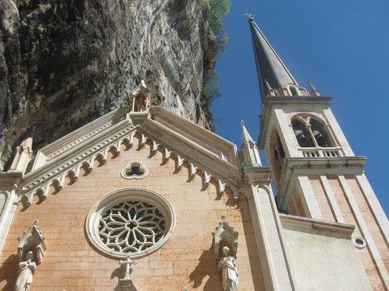 Santuario Basilica Madonna della Corona: Da non perdere