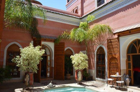 Riad Alili: Vue du patio