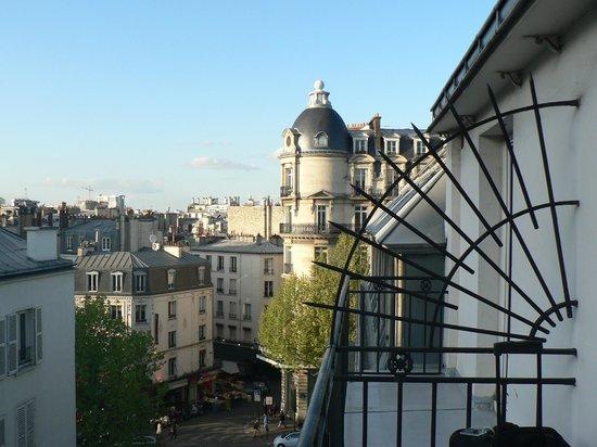 BEST WESTERN Empire Elysees: Vista desde el balcon de la habitacion