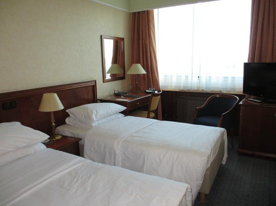 Panorama Zagreb Hotel: 割と広めの部屋