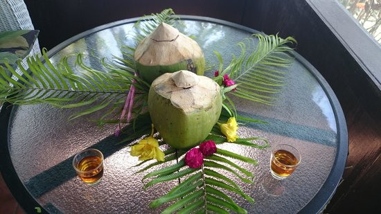Papageno Resort : Fresh Coconut with a Shot of Rum to Welcome you!