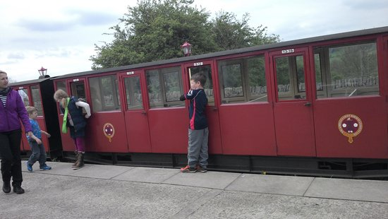 Kirklees Light Railway: Waiting to board