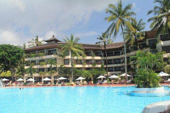 Prama Sanur Beach Bali: Hotel building that faces the pool and beach