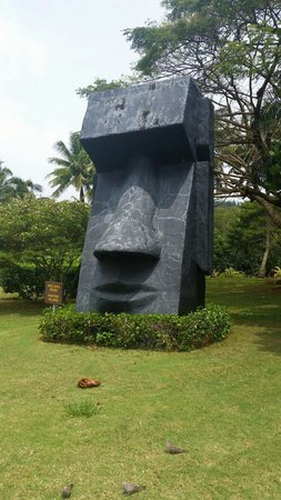 Smiths Tropical Paradise: Easter Island Icon