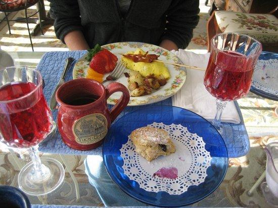 Tuck U Inn at Glick Mansion: What a breakfast!