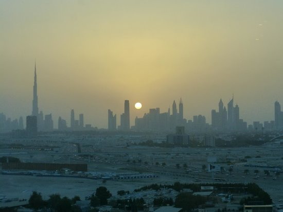 Crowne Plaza Dubai Festival City: View from our room at sunset