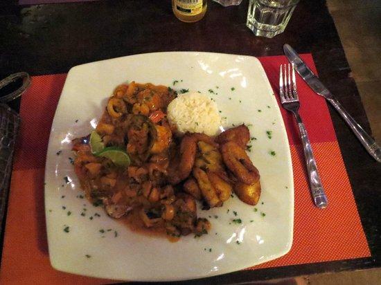 Plazita Limena: Mixed Seafood