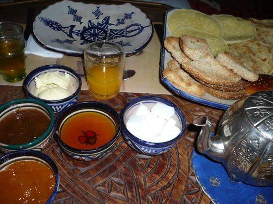 Riad Amazigh Meknes: Desayuno