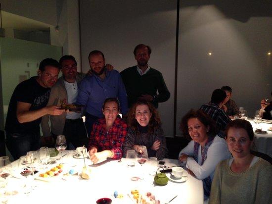 Celebrando cumpleaños en Cocinandos un grupo de amigos