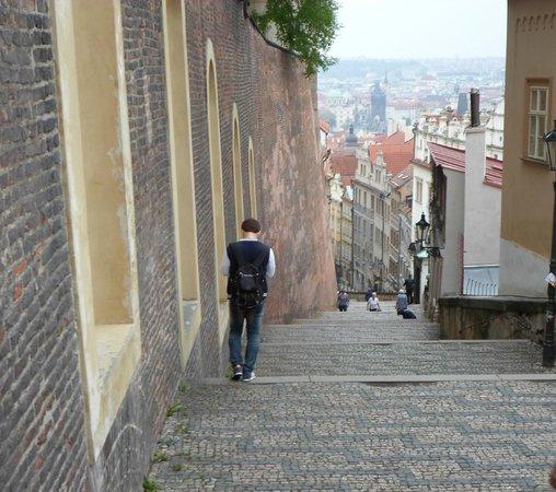 Alchymist Prague Castle Suites: la monté pour le chateau