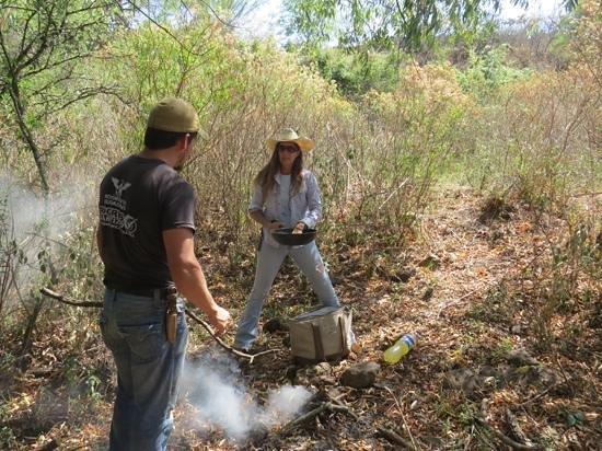 Hacienda de Taos: Celina and Jose getting lunch ready