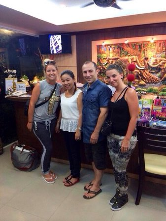 Patong Mansion Hotel: Emily's and boss