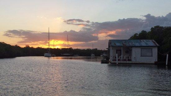Turtle Bay Inn: Sunset