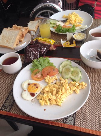 Patong Mansion Hotel: Breakfast