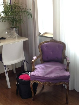 Rendez Vous Hotel Buenos Aires: Nice sitting area in the room