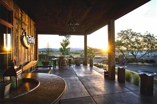 2Hawk Vineyard & Winery: Sunset views of the valley