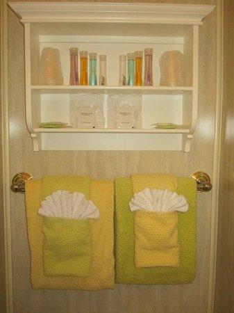 Inn at St. John: Fan towels