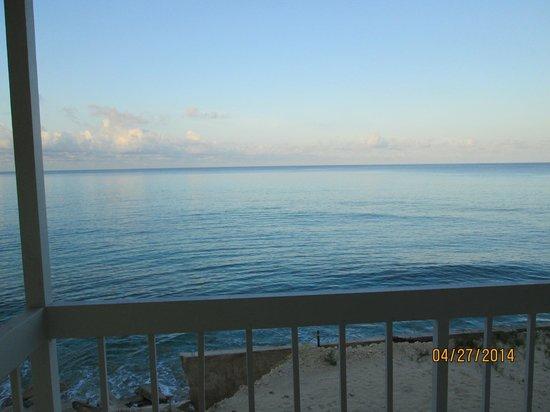 Riding Rock Inn Resort and Marina : upstairs balcony view