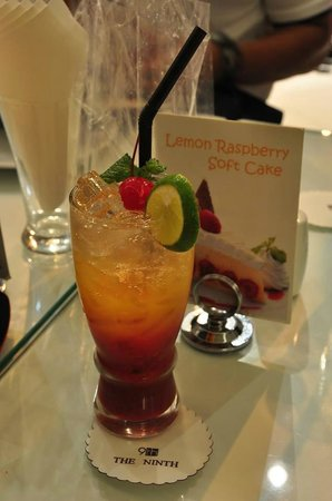 The 9th Cafe: Orange Strawberry Soda