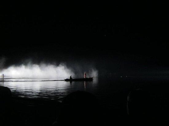 Impression Westlake: dramatic lighting