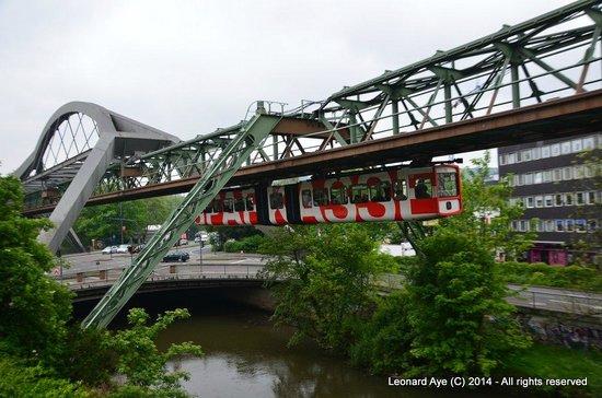 The Wuppertal Suspension Railway: Schwebebahn 3