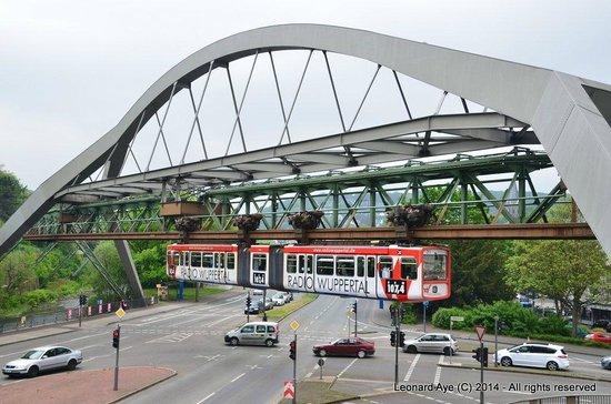 The Wuppertal Suspension Railway: Schwebebahn 5
