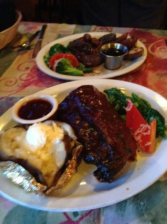 Charles Street Dinner House : ribs and steak - generous portions!