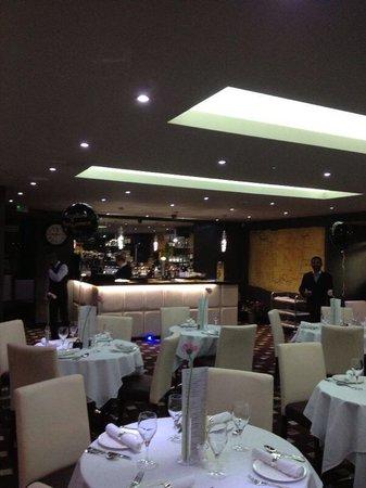 Regales: Restaurant inside