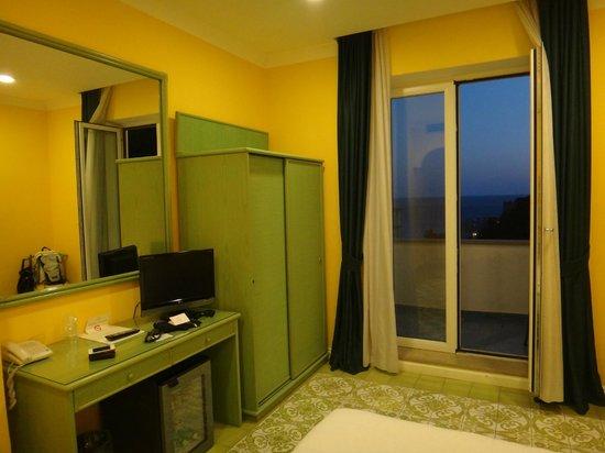 Hotel La Bougainville: O quarto muito confortável