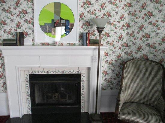 White Swan Inn: The fireplace