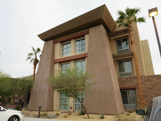 Homewood Suites by Hilton Palm Desert : Hotel Exterior