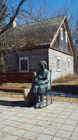 Mennonite Heritage Village: **