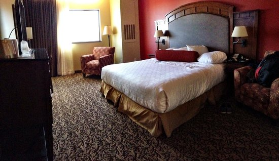 Grand Casino Hotel: Nice comfy room